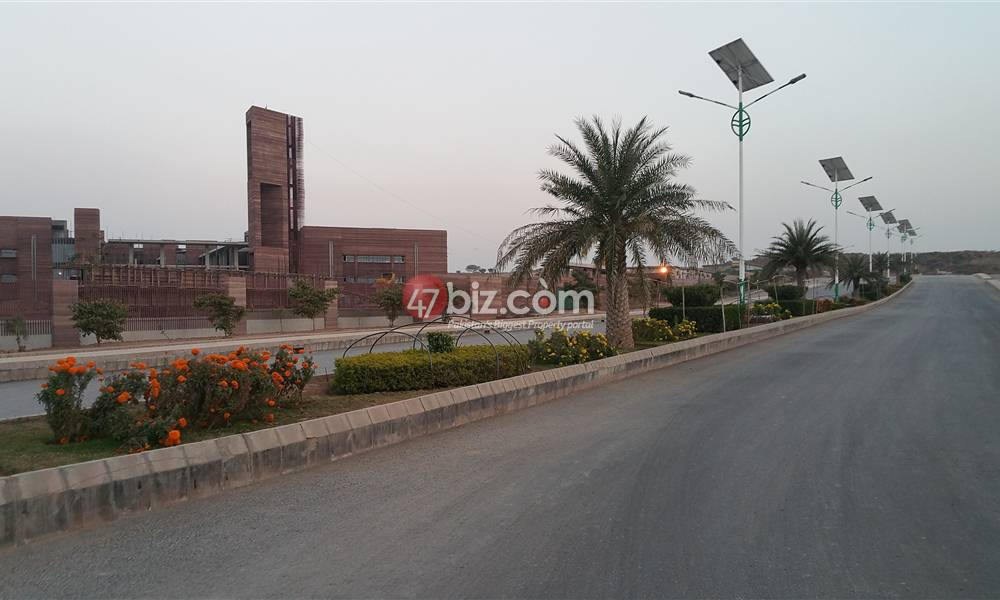 Good-Location-Commercial-Plot-For-Sale-In-The-Heart-Of-Gulberg-Islamabad-1