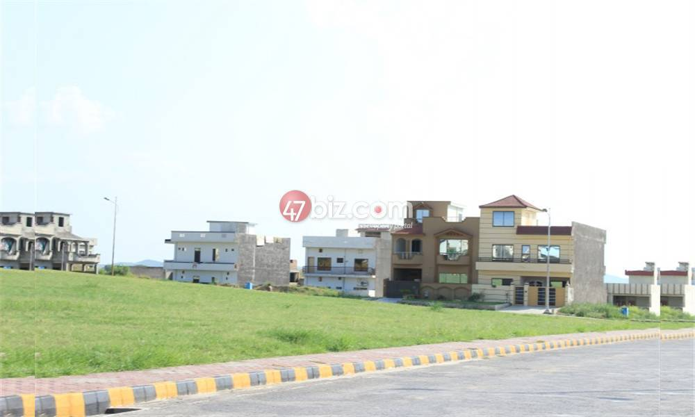 30x60-Residential-(Corner)Plot-for-sale-in-B17-Multi-Garden-Block-F-7