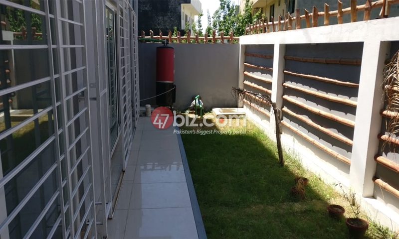 40x80-Brand-New-Sun-Face-Out-class-house-for-sale-in-G-15/1-20
