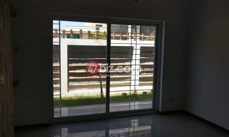40x80-Brand-New-Sun-Face-Out-class-house-for-sale-in-G-15/1-26