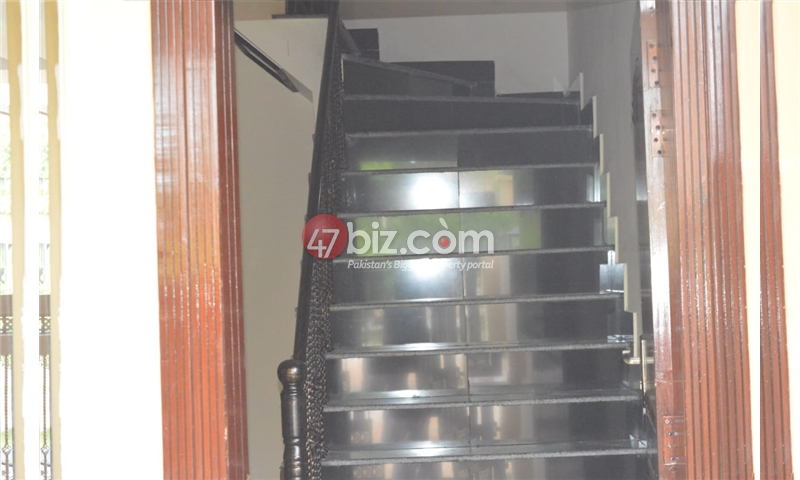 10-Marla-Beautiful-House-for-sale-in-Bahria-Town-Rawalpindi-3