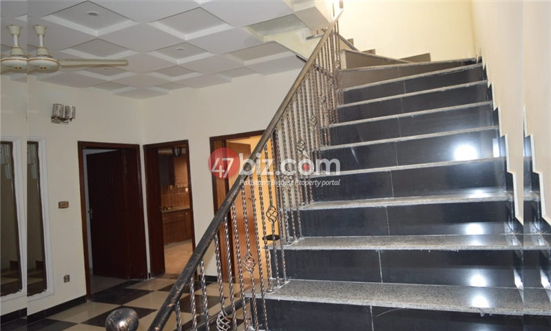 10-Marla-Beautiful-House-for-sale-in-Bahria-Town-Rawalpindi-4