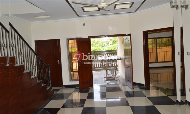 10-Marla-Beautiful-House-for-sale-in-Bahria-Town-Rawalpindi-11