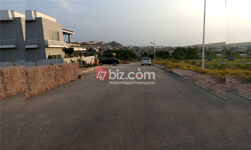 Plot-For-sale-1-Kanal-in-Bahria-town-Phase-8-11