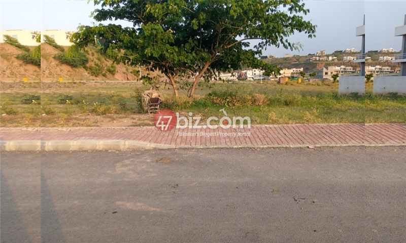 Plot-For-sale-1-Kanal-in-Bahria-town-Phase-8-12