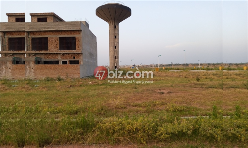Plot-For-sale-5-Marla-in-Bahria-Town-Phase-8-1