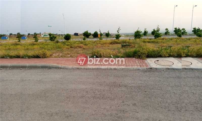 Plot-For-sale-5-Marla-in-Bahria-Town-Phase-8-2