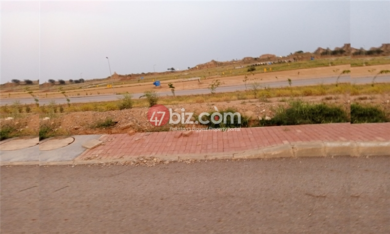 Plot-For-sale-5-Marla-in-Bahria-Town-Phase-8-7