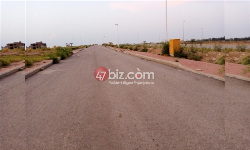 Plot-For-sale-5-Marla-in-Bahria-Town-Phase-8-9