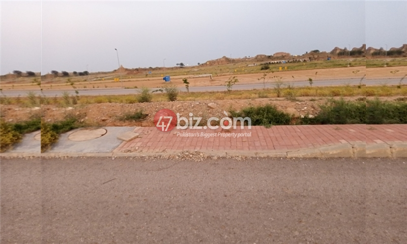 Plot-For-sale-5-Marla-in-Bahria-Town-Phase-8-11