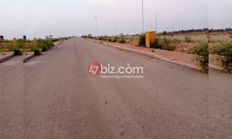 Plot-For-sale-5-Marla-in-Bahria-Town-Phase-8-13