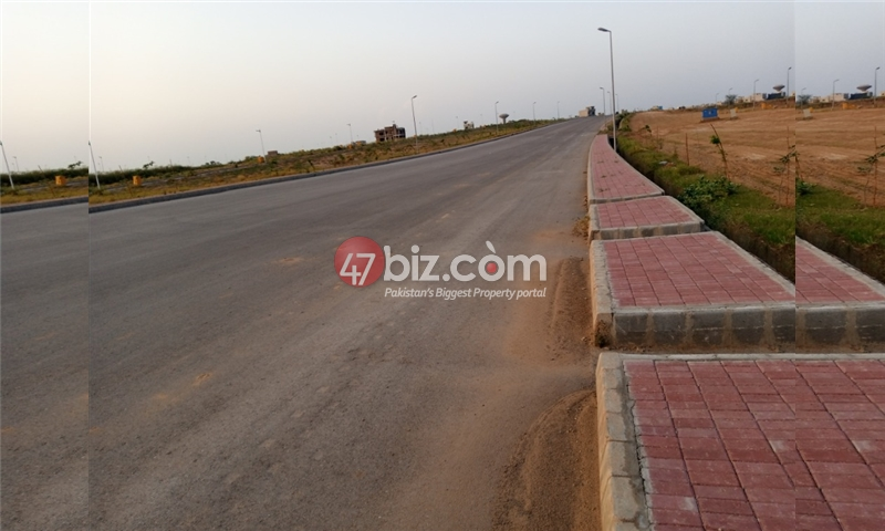 Plot-For-sale-10-Marla-in-Bahria-Town-Phase-8-12