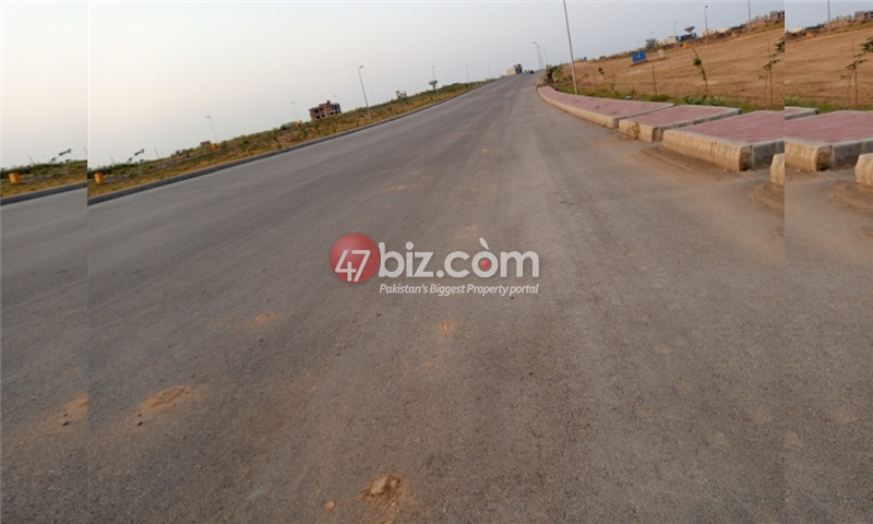 Plot-For-sale-10-Marla-in-Bahria-Town-Phase-8-14