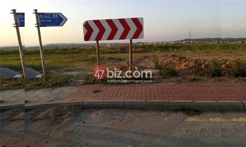 Sector-E-plots-for-sale-front-back-open-2