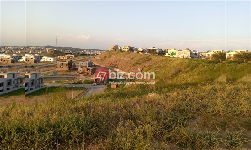 Sector-E-plots-for-sale-front-back-open-11