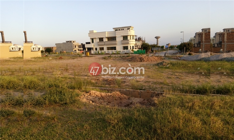 Sector-E-plots-for-sale-front-back-open-18