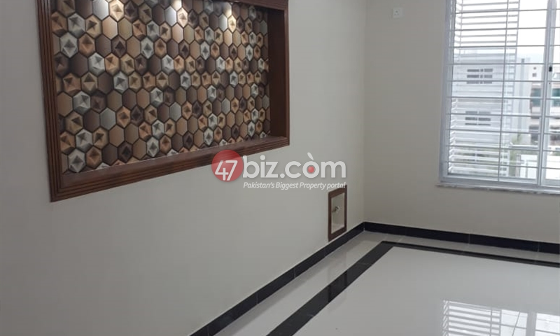 8-Marlas-House-For-Sale-in-G-13-1
