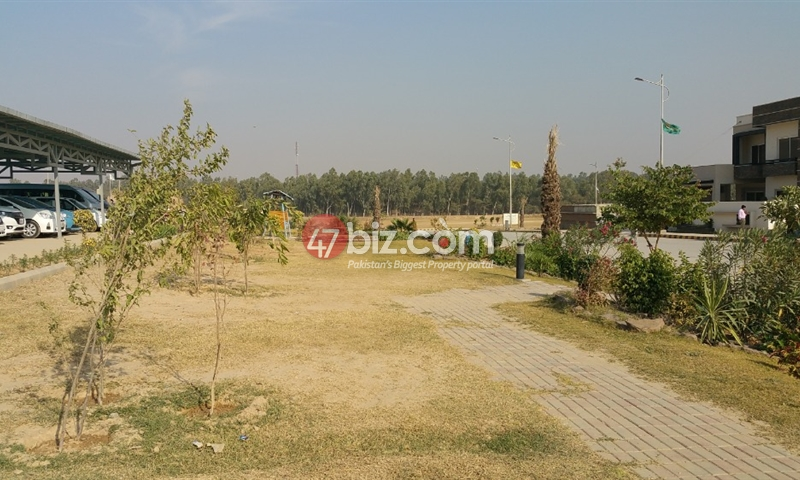 1-Kanal-Plot-for-sale-in-Top-City-Block-F-2